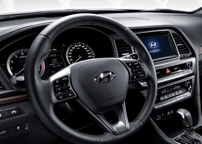 2018 hyundai sonata turbo. the 2.0-liter \u201ctheta\u201d turbocharged engine makes 245 (@ 6,000 rpm) and 260 lb-ft of torque (all way from 1,350 rpm up to 4,000 rpm). 2018 hyundai sonata turbo